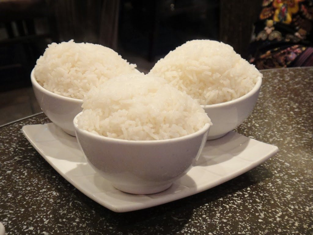 bowls-of-white-rice